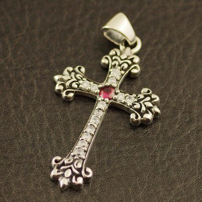 Japan import, 925 Sterling Silver set with diamonds cross pendant