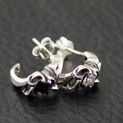 Japan import, 925 Sterling Silver princess cut Gothic Style Arabesque pattern Gothic Silver earstud